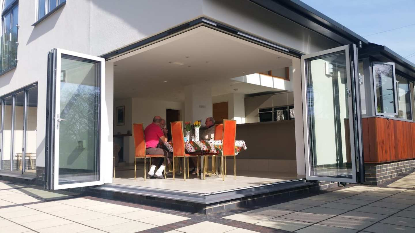dwl-cornerless-bifold-doors-aluminium-installers14