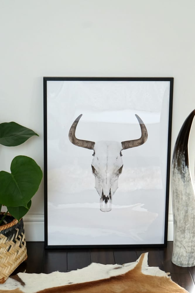 Scandinavian wall art is very on trend right now and when hung right can make a bold statement in any room. Collages are a great way to display your favourite pieces but they're not always the easiest thing to get right, so click through for more inspiration and tips on how to make a feature of your favourite art work...