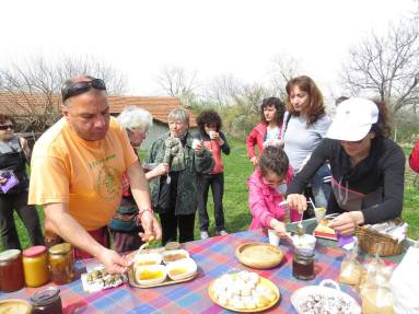 08. Дегустация на чай, хляб и мед в Билкарската къща в с.Горско Сливово