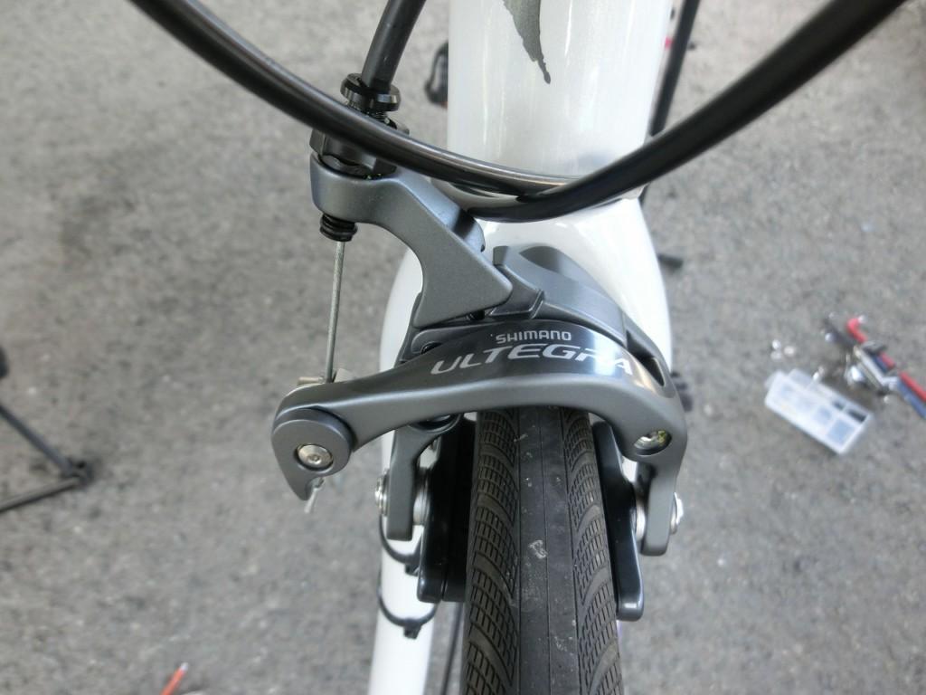 ロードバイク アルテグラのブレーキに交換した