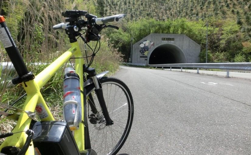 ロードバイクと電動アシスト自転車 峠道でガチ比較