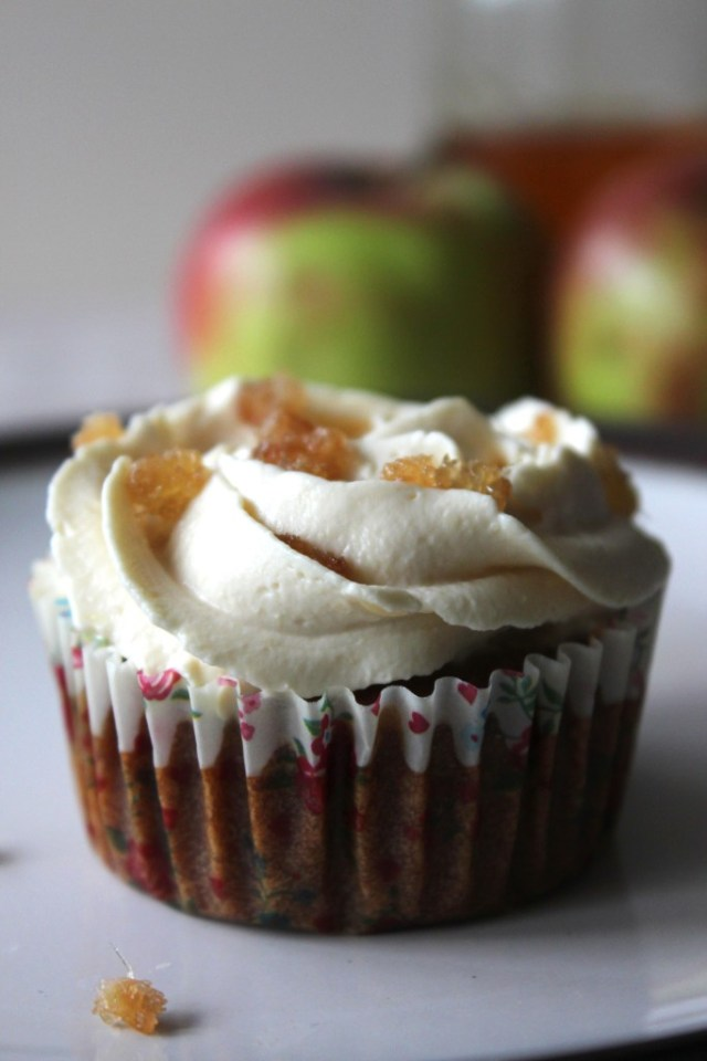 apple eggless3