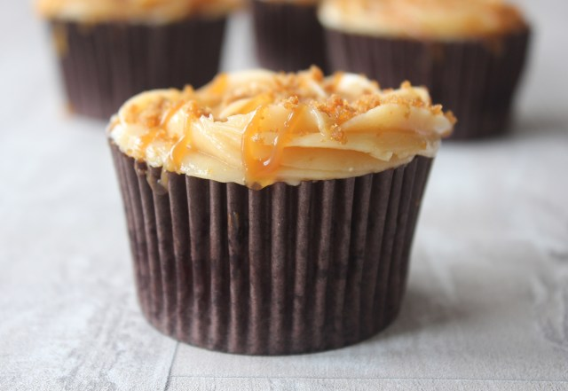 caramel-cupcakes5
