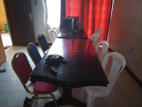HU1707-table
