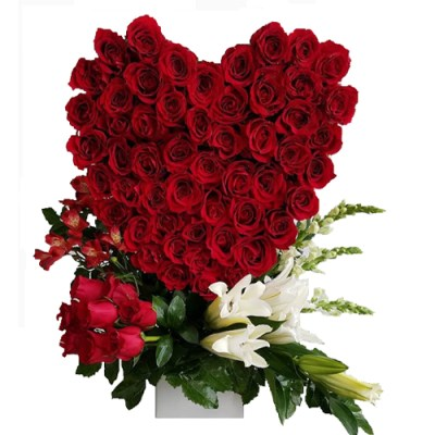 Sophisticated Love – Heart Made Out Of Roses (close To 100 Roses)