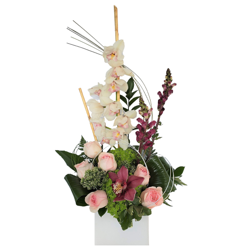 pink-flowers-and-white-orchids-lineal-flower-arrangement