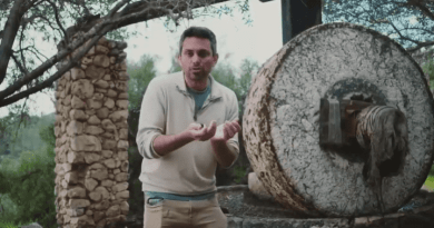 Olive Press – Chaim Malespin, Aliyah Return Center
