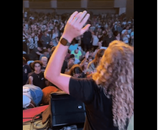 'We Need Revival Like Never Before': Sean Feucht Brings 'Let Us Worship' to His VB Hometown