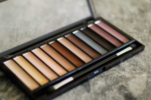 Makeup revolution essential mattes 1