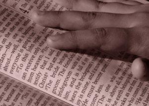 bible-879086_960_720