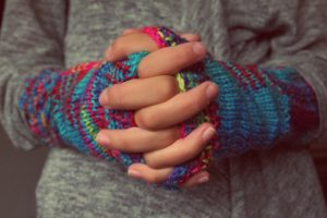 folded-hands-987629_960_720