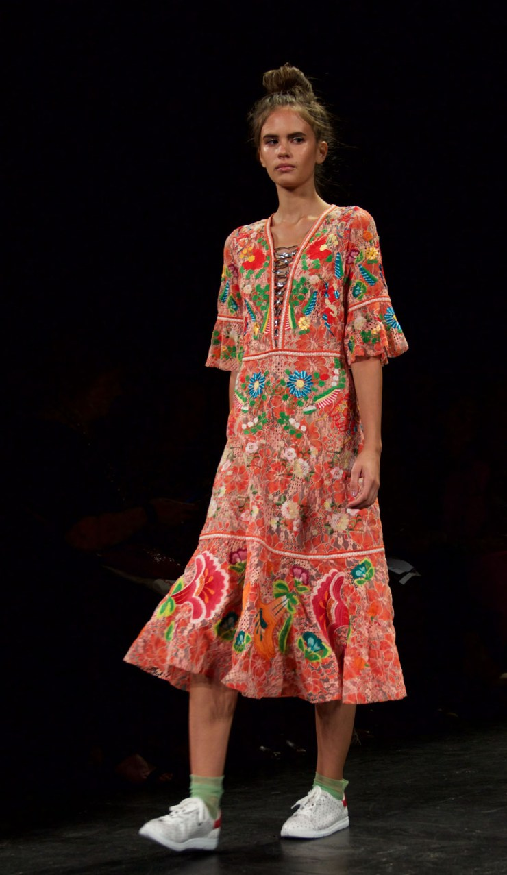 nyfw-vivienne-tam-floral-print-dress