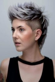 short grey hair cuts and styles