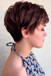 short layered hairstyles women