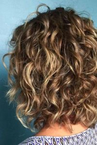 Short Hairstyles for Curly Hair picture2