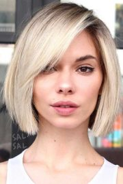 short hairstyles women 2019