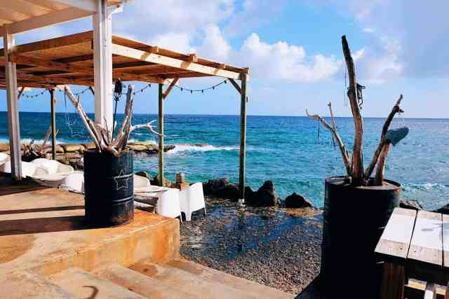 Where to stay in Curacao: Bijblauw boutique hotel ocean view