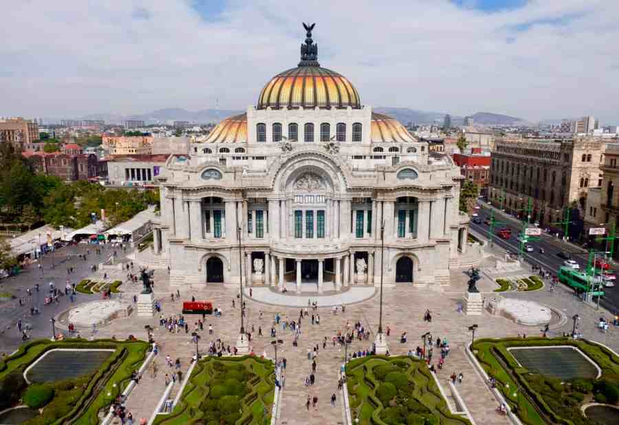 Top things to do in Mexico City, the Palacio de Bellas Artes