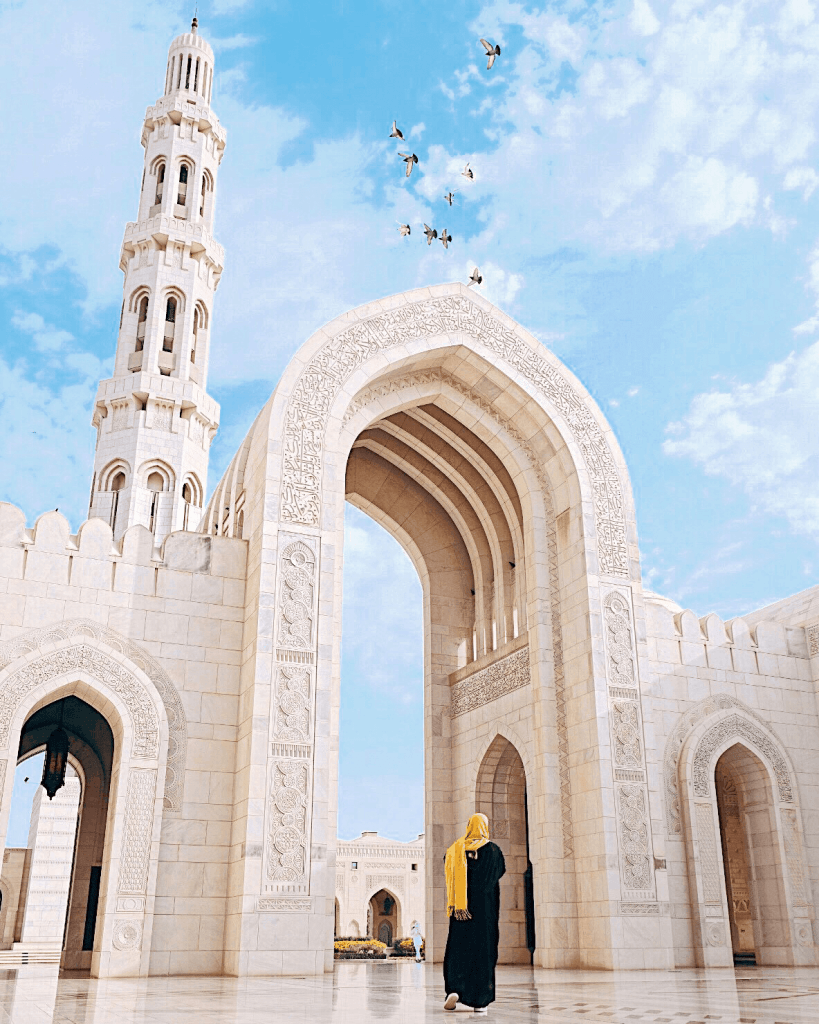 Sultan Qaboos Grand Mosque, one of the top things to do in Oman.