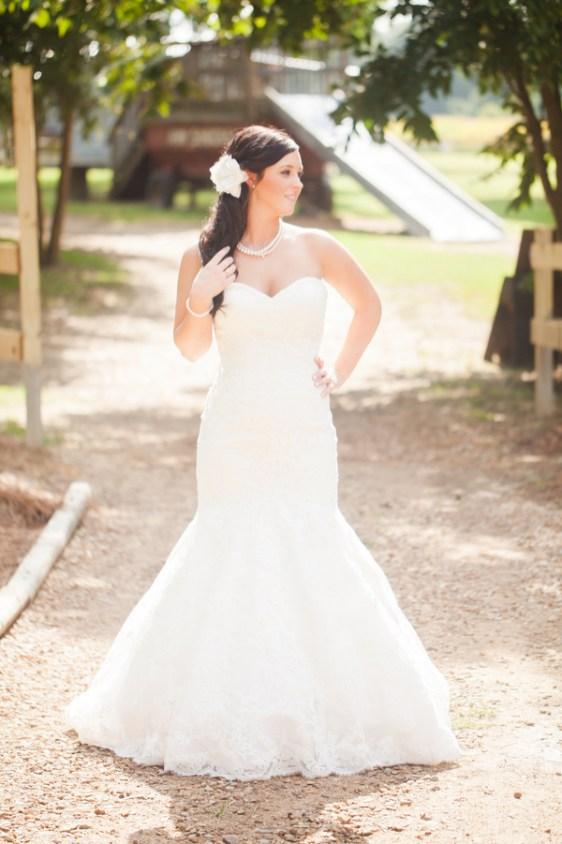 cotton-gin-farm-bridal-portrait