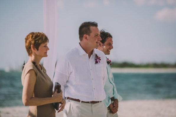 palm-island-beach-wedding-66