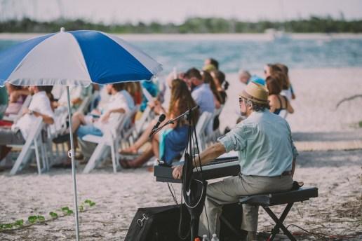 palm-island-beach-wedding-76