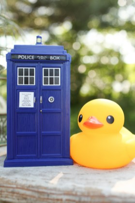 doctor-who-tardis-nerdy-engagement-session-debbie-laughlin-photography