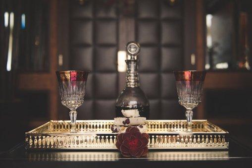 jewel-toned-vegas-wedding-inspiration-bit-of-ivory-photography-4
