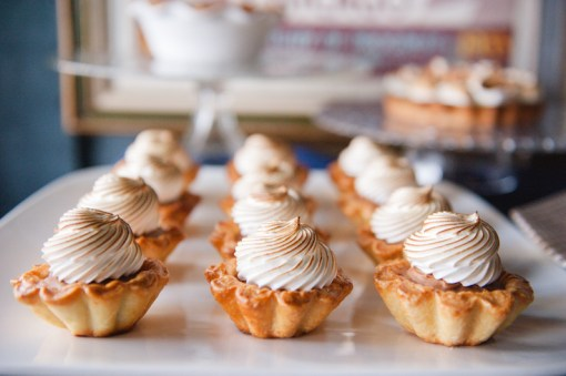 mini-pies-wedding-dessert-station-roots-of-life-photography