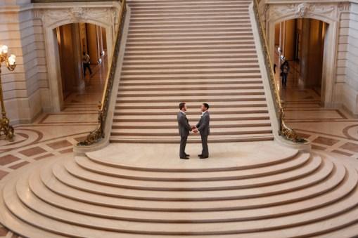 san-francisco-city-hall-elopment-linda-tran-photography