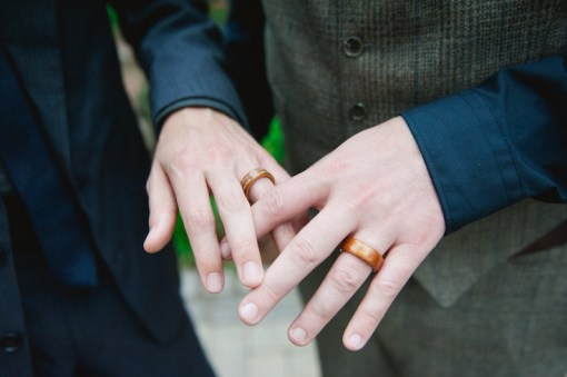 wooden-wedding-rings-roots-of-life-photography-1
