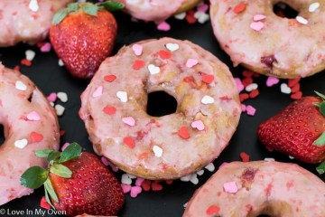 strawberry buttermilk donuts
