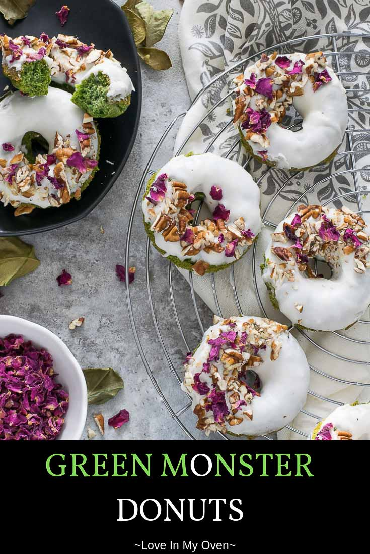 They're mean. They're green. They're packed FULL of spinach! Get your greens in while you indulge in a baked donut this weekend! #greenrecipes #greendonuts #donuts #riseandshine #spinach #healthytreats