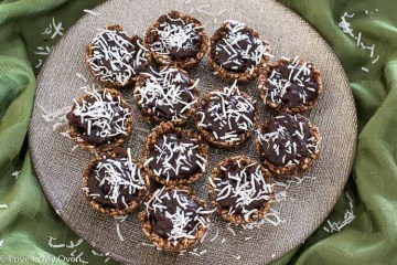 healthy chocolate-coconut baskets
