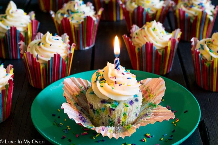 Vanilla Funfetti Birthday Cupcakes
