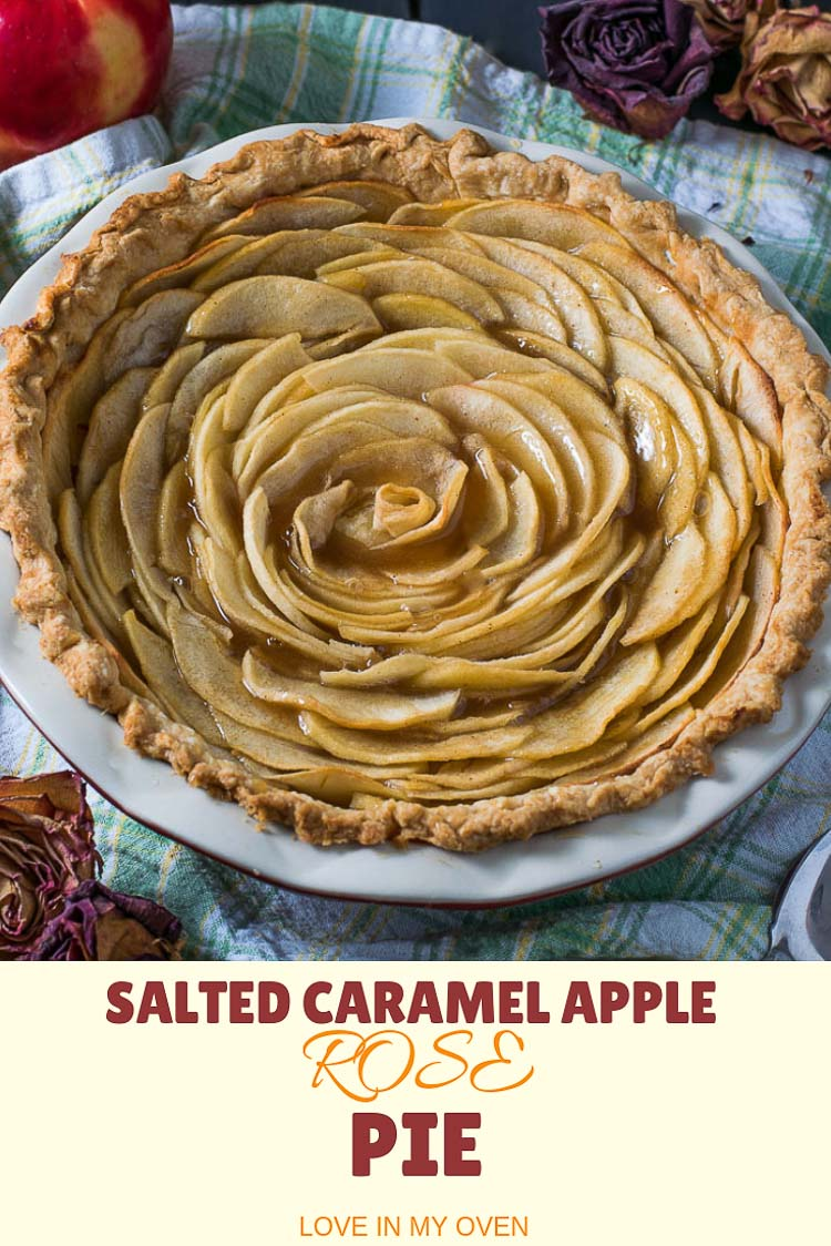 Wow your guests with this beautiful apple rose pie, that's as delicious as it is pretty!