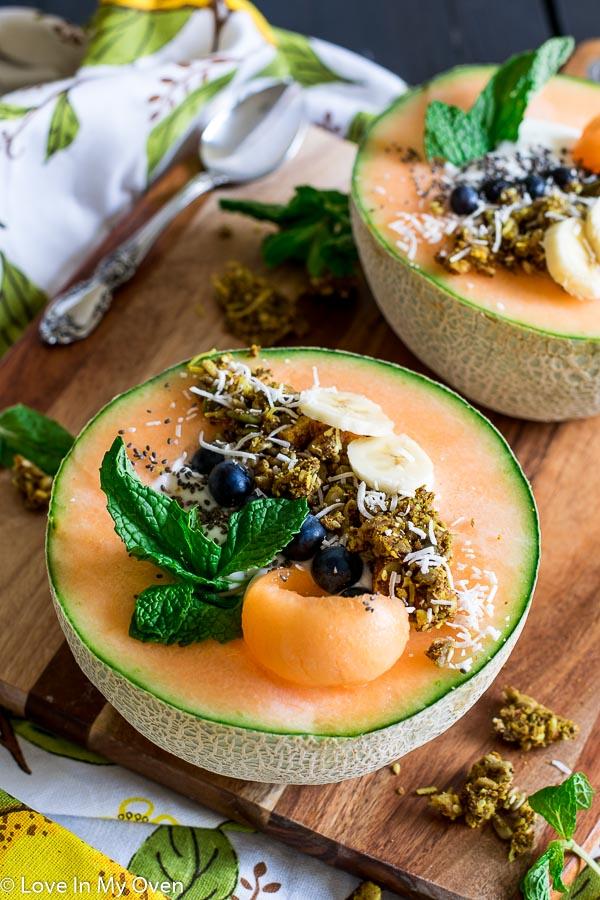 canteloupe breakfast bowl