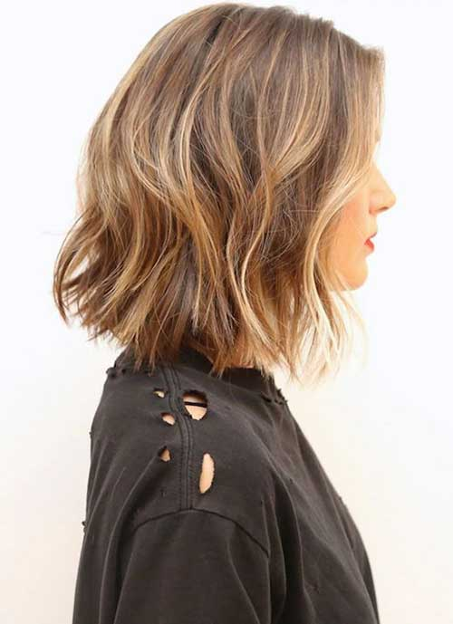 Medium-Wavy-Bob-Hair-Color