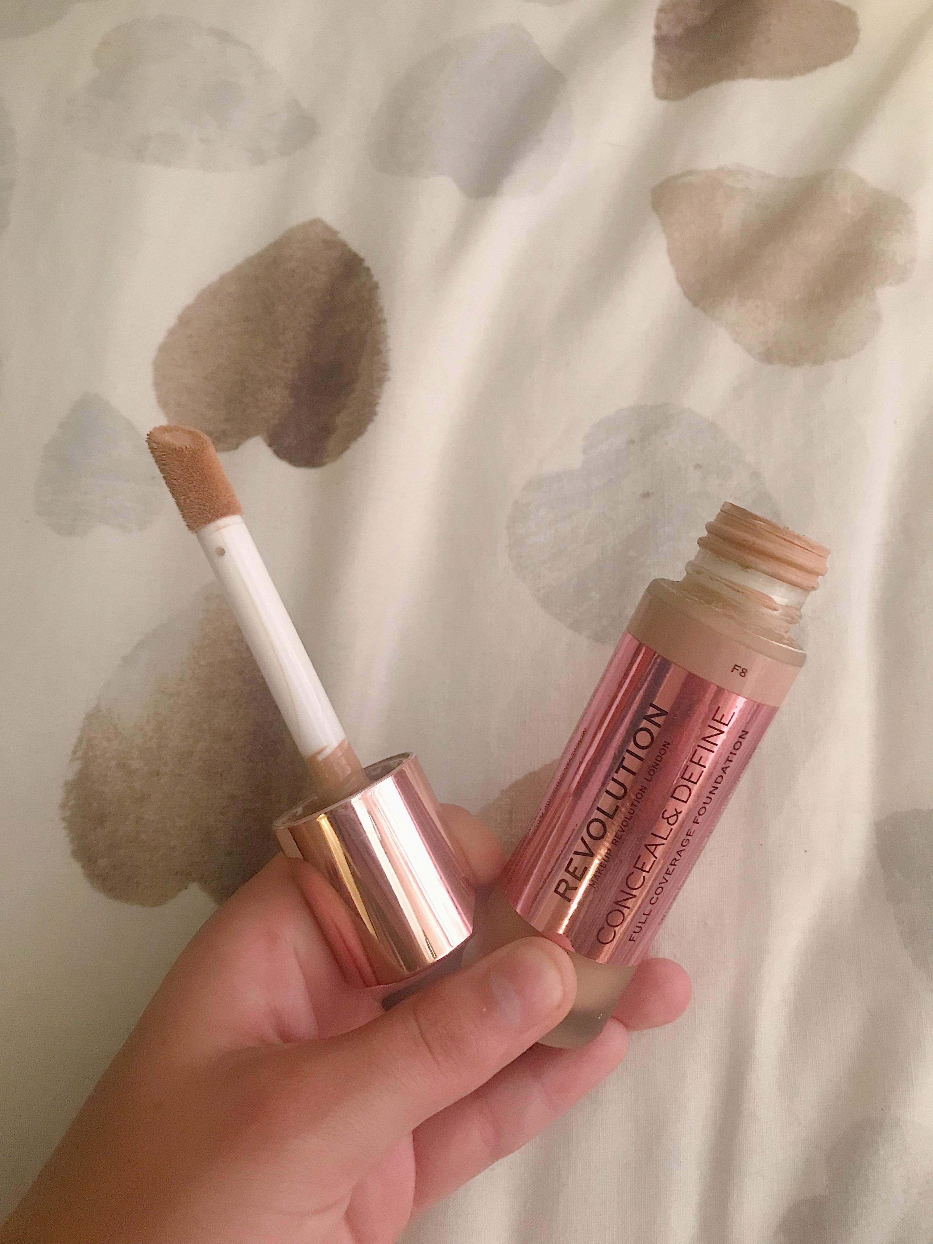 Revolution conceal and define foundation with concealer want applicator
