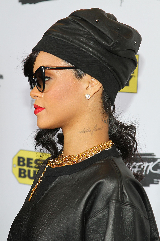 Cute Doodle Wallpaper Hd Queen Nefertiti Tattoo Rihanna