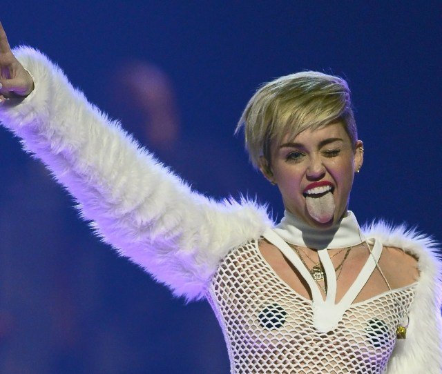 Miley Cyrus Isnt A Bad Influence On Boyfriend Patrick Schwarzenegger Heres The Proof Photos