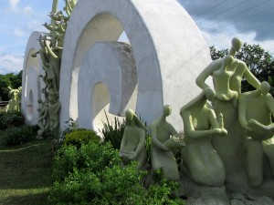 Surge of hope monument (4)