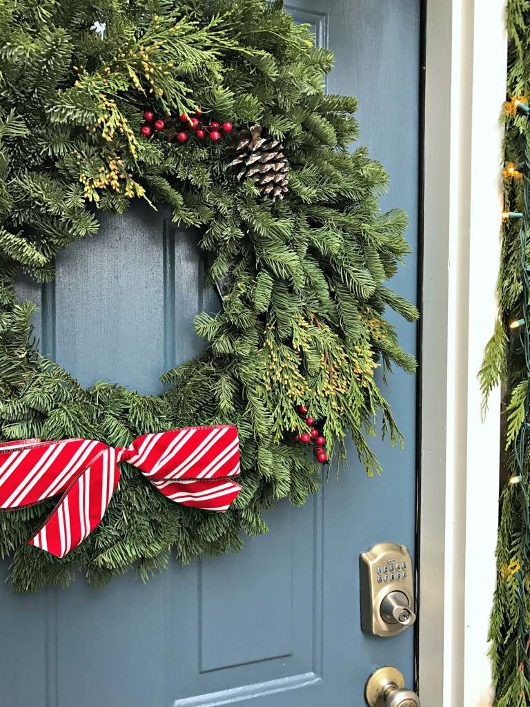 Outdoor Christmas decor: Front door wreath