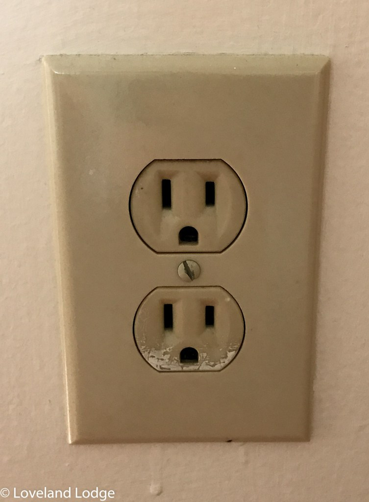 How to easily update a power outlet