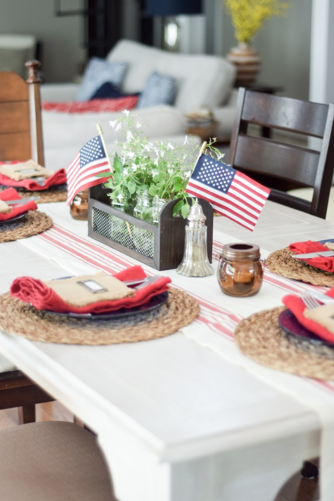Budget friendly farmhouse decor ideas for the 4th of July - Loveland Lodge