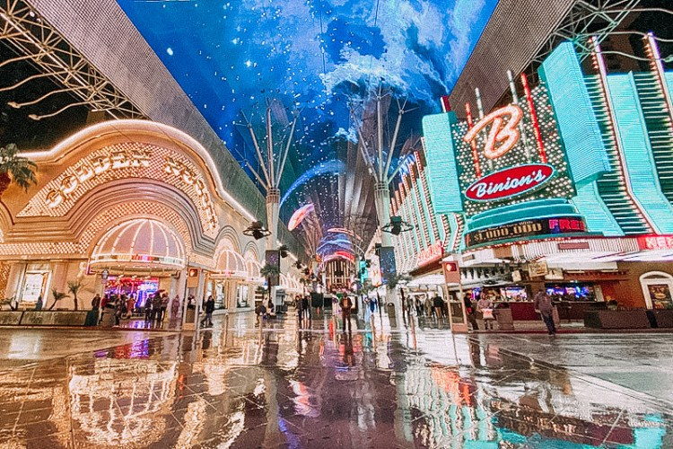 freemont street experience in downtown las vegas