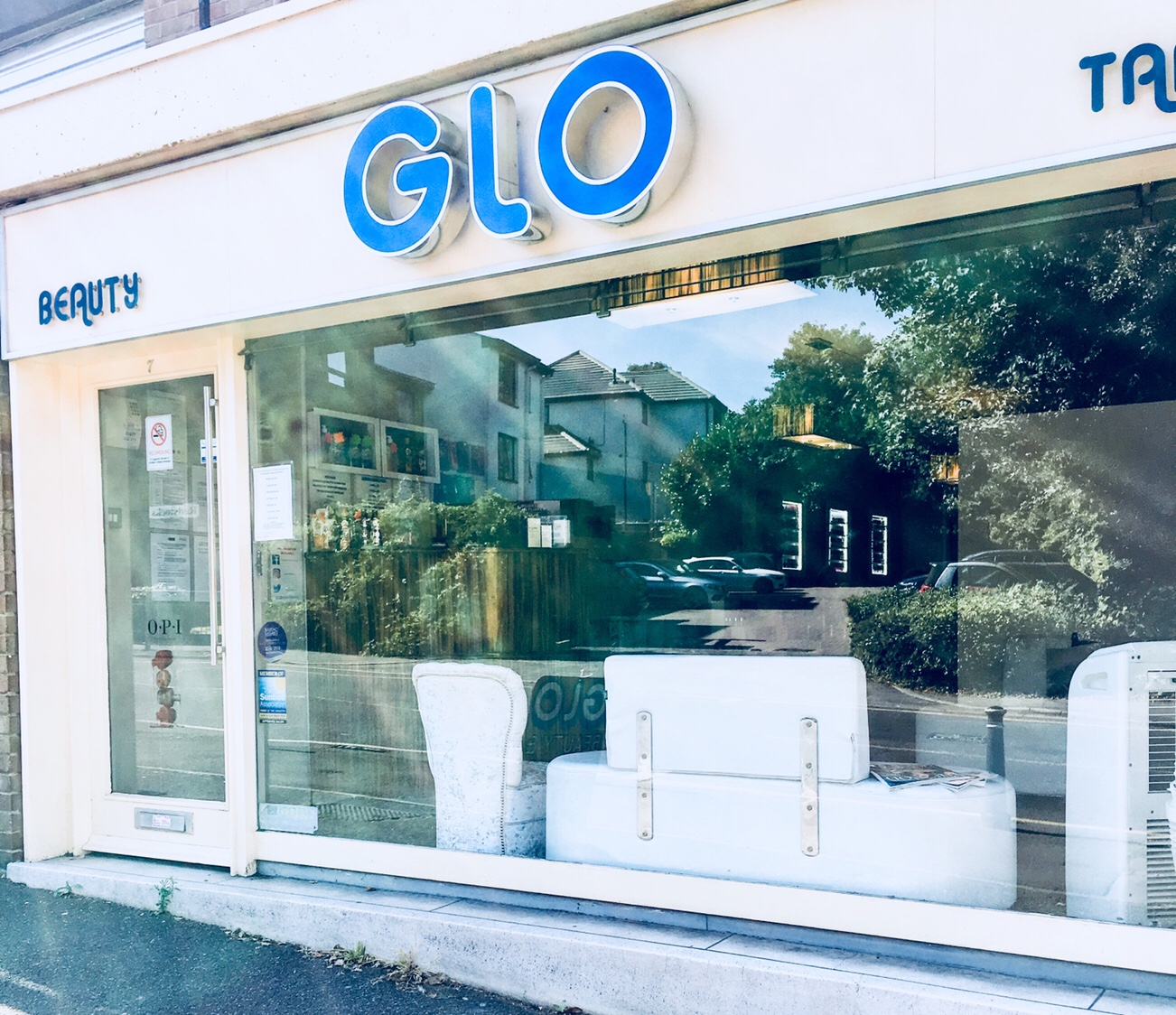 GLO Beauty & Tanning Salon-The Hollywood