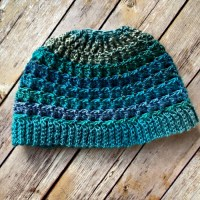 Simple Textured Messy Bun Hat - Free Crochet Pattern