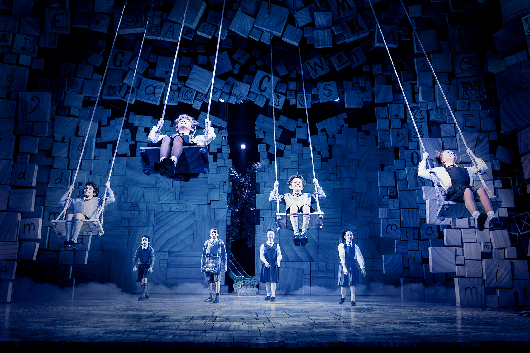 Matilda_The_Musical_Photo_by_Manuel_Harlan_c_The_Royal_Shakespeare_Company.jpg