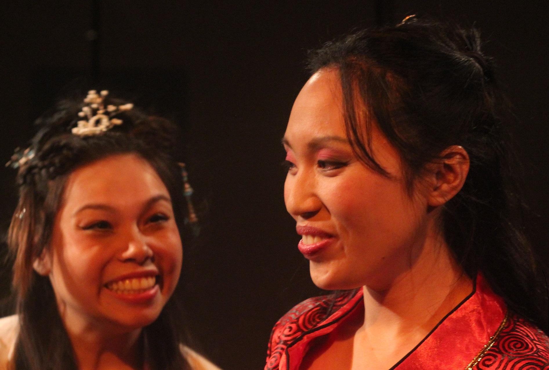 Siu-See Hung as WangJingWei and Michelle Yim as DiaoChan.JPG